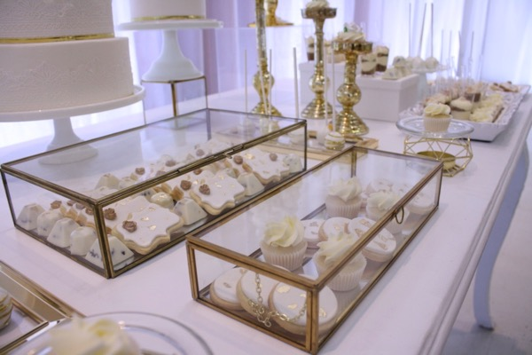 white gold wedding sweet table, montreal cakes