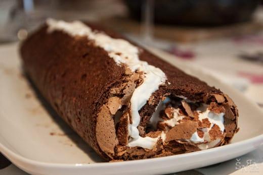 Torta de chocolate com natas