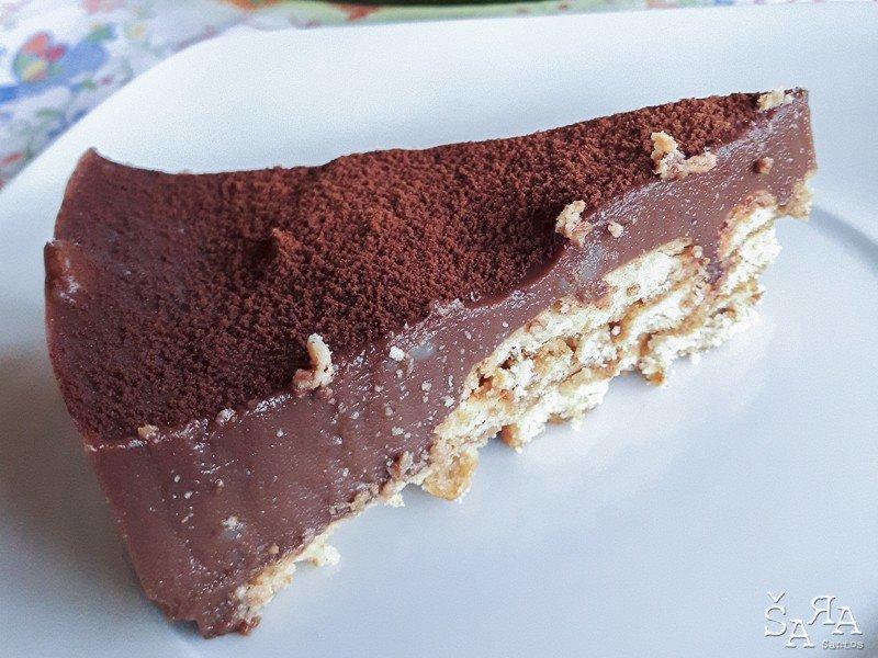 Semi frio de chocolate com bolacha sem açúcar