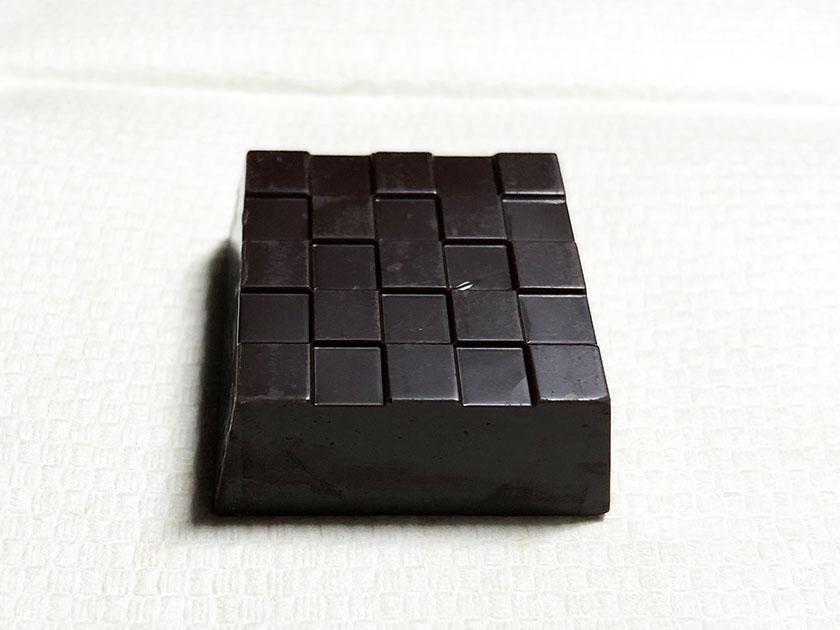 濃い茶色のチョコ