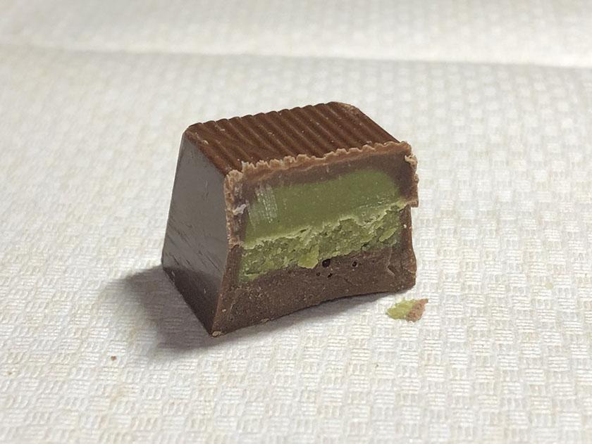 抹茶というよりお茶の緑