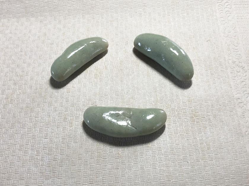 ミントグリーンの柿の種