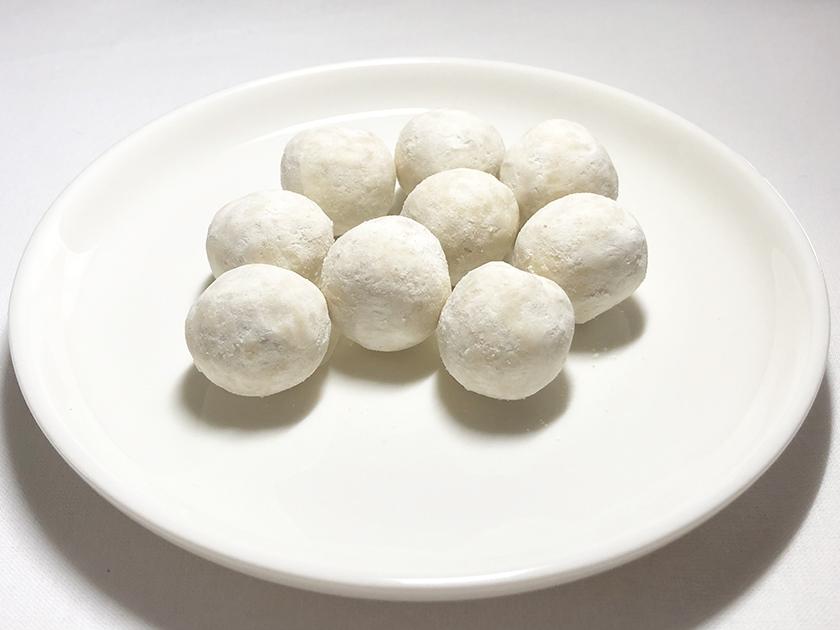 『トップバリュ』の「ひとときスイーツ 焼きいも風味のアーモンドボール」の外観、9個入り