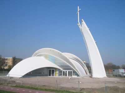 Kościół Piotra i Pawła w Maassluis (2007). Pracownia Royal Haskoning Architects