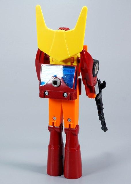 ロディマスコンボイ 復刻版ロディマスコンボイ 復刻版 ロボットモード