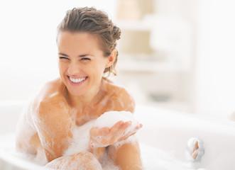 240 F 59846670 4pkaMPwfhvAr9yuKRX0bUod9orj85er0 - 乾燥敏感肌を改善!洗顔法を知って美肌を取り戻す