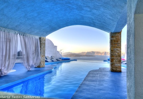 Astarte Suites Hotel boutique Hotel in Santorini Greece.jpeg - 一度は泊まってみたい?びっくりホテル10選