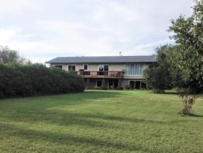 5 Acre Piece of Paradise Near Holbein