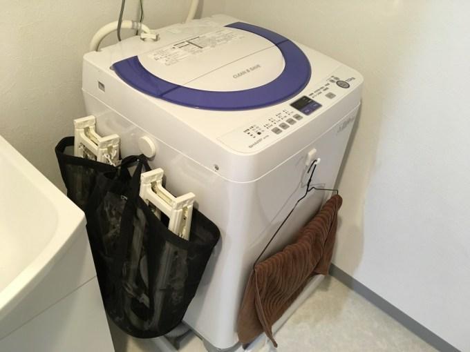 洗濯機と洗濯ハンガー