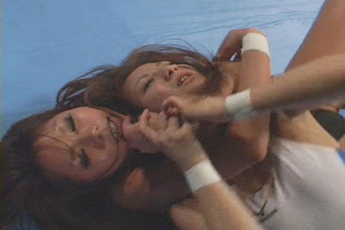 伊藤ななと伊佐美ゆかが首絞めキャットファイトバトル苦しみが快楽に変わる窒息動画