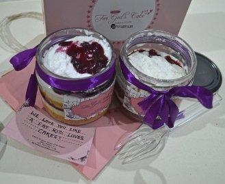 blueberry cheesecake and red velvet cake (3)
