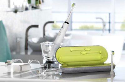 có nên dùng bàn chải đánh răng điện sóng âm