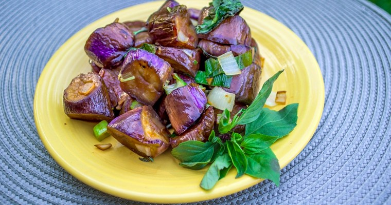 Eggplant Stir-fry with Basil   塔香茄子