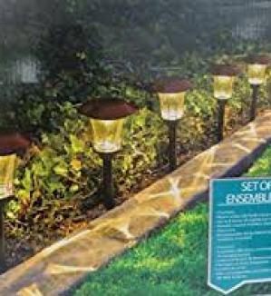 HGTV Solar LED Pathway Lights