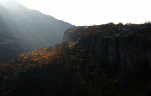 1. Góry, w których położone są monastyry już same w sobie budza zachwyt