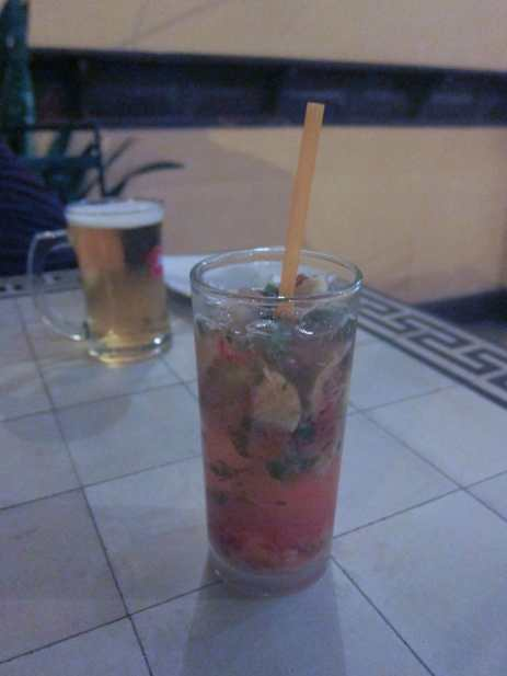 Coey and I went to the FCC for dinner one night while in Phnom Penh. I got pizza with ham and pineapple and a strawberry mojito. I am good with this decision.