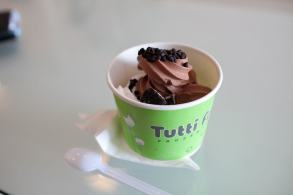Frozen yogurt in Phnom Penh, Cambodia...
