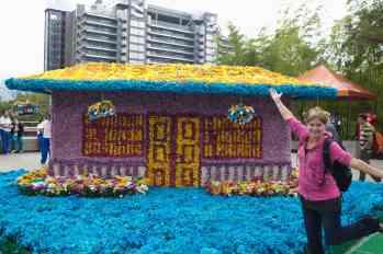Gigantes de Flores - flower sculptures - for Feria de las Flores in Medellin, Colombia