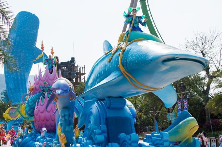 Chimelong-Ocean-Kingdom-Parade-Shark