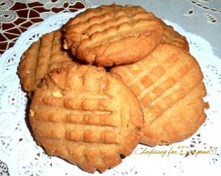 Peanut Butter Crisscross Cookies - https://chopsueyathalohalo.wordpress.com/2016/08/06/pb-cookies/