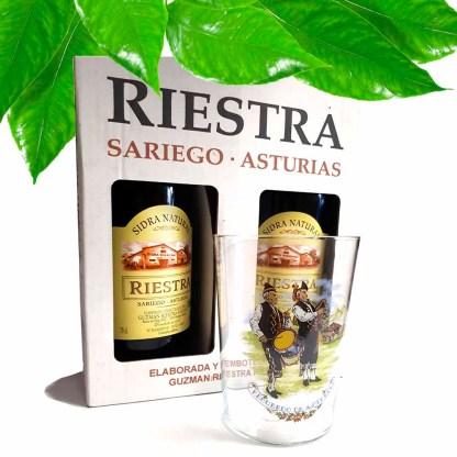 sidra asturiana y vaso de sidra