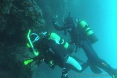 Pod převisem na Banjole, Chorvatsko potápění