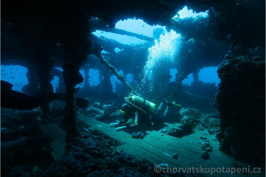 Ve vraku Baron Gautsch, Chorvatsko potápění