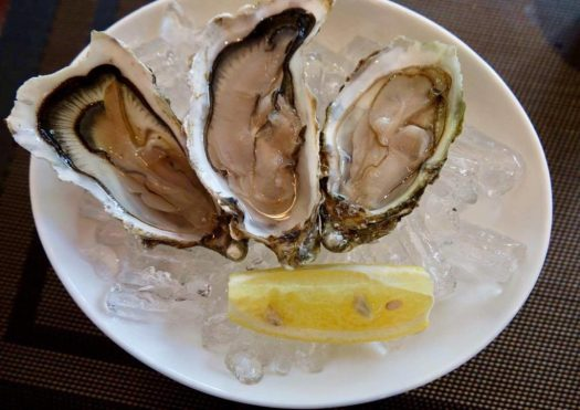 Bacchus&Co Fresh Raw Fines de Claire Oysters