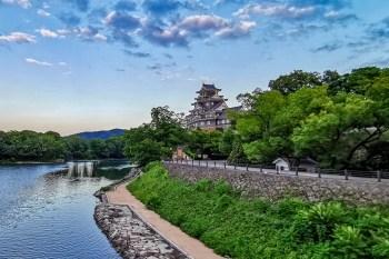 頂著黃金桃的日本國寶名城 岡山城(金烏城) 體驗從水蜜桃蹦出來