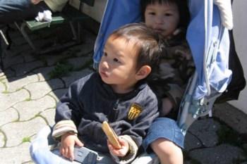 (親子旅行) 雙子媽怎麼帶小孩出國趴趴走?雙人推車大集合!