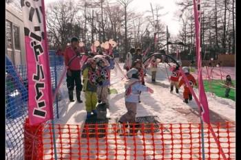 (日本長野縣) 輕井澤 小朋友也能樂翻天 pandaruman滑雪學校與小朋友滑雪場