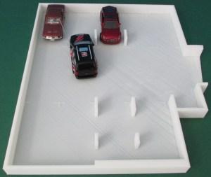 3d-gedrucktes Modell einer Garage im Maßstab 1:64