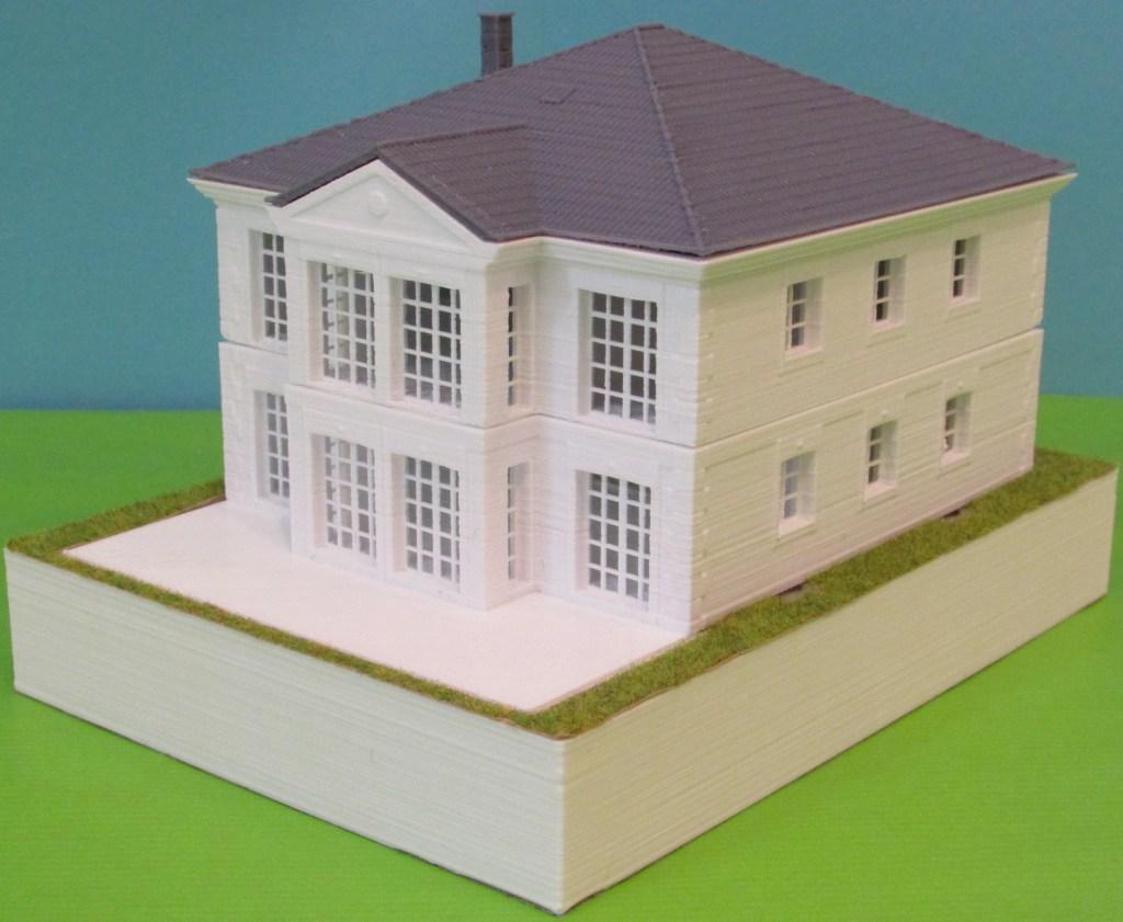"""3D-gedrucktes, zerlegbares 1:100 Modell der """"White Residence"""" von MABAHAUS inklusive Keller"""