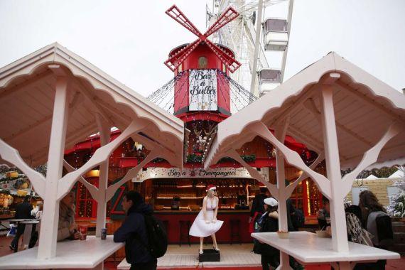 Le marché de Noël dans le Jardin des Tuileries à Paris en France. (Xinhua/Gao Jing)