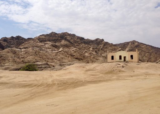 A couple of kilometers down river, I came across the ruin of what was an ostrich farm in the 1890s.