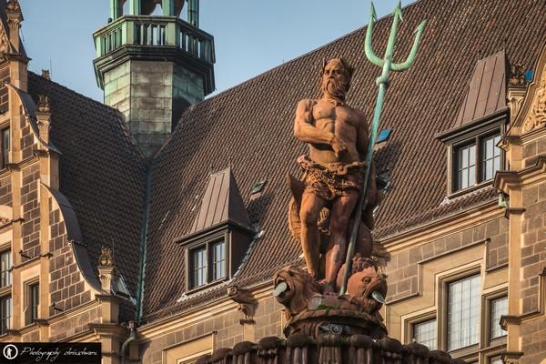Rathaus Elberfeld mit Jubiläumsbrunnen