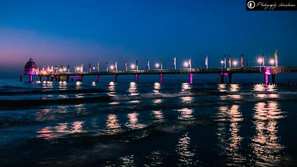 Zingster Seebrücke bei Nacht bei ISO12800