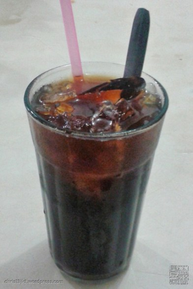 iced coffee (kopi es)