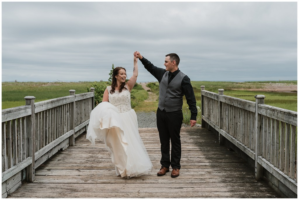 bride and groom portraits on grounds of crystal cliffs wedding venue