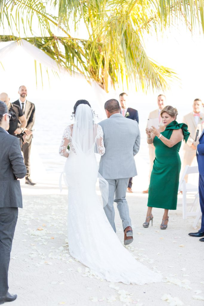 Should you do a first look? First look with bride and groom on their wedding day | Chris Sosa Photography | Miami Wedding Photographer