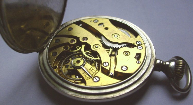 Picture of a gold watch