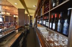 Eldorado-Lounge-behind-bar
