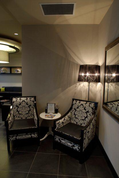 Kelowna-Orthodontics-accent-chairs