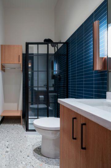 Office-bathroom-social
