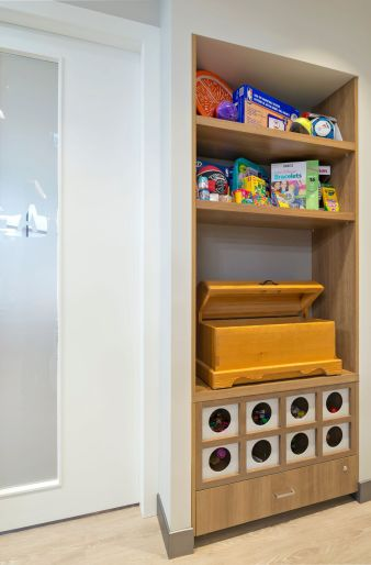 Toy-cabinet
