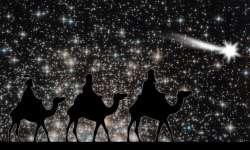 3 Magi follow a star