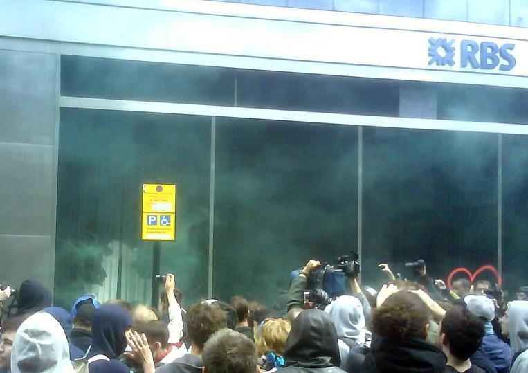 Firsr damage at Threadneedle Street