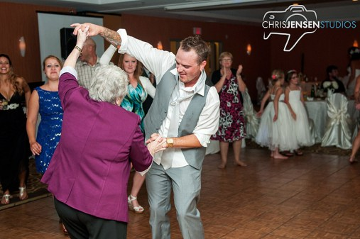 party-wedding-photos-chris-jensen-studios-winnipeg-wedding-photography-30