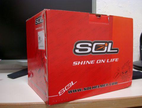 一貫的SOL紅色的外包裝