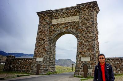 黃石公園的Roosevelt Arch